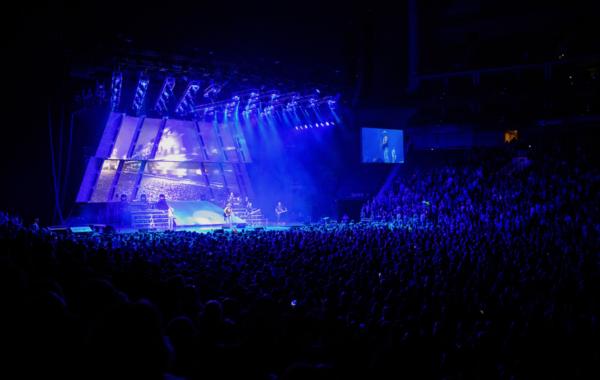 High Noon Neon Tour_Live Photo 2