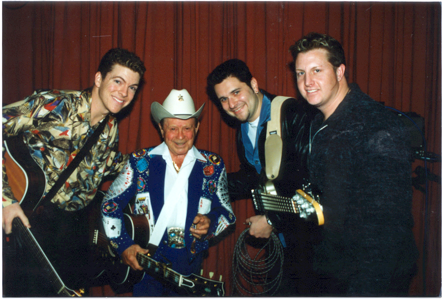 Rascal Flatts & Jimmy Dickens 4-28-00 Alan Mayor 300dpi