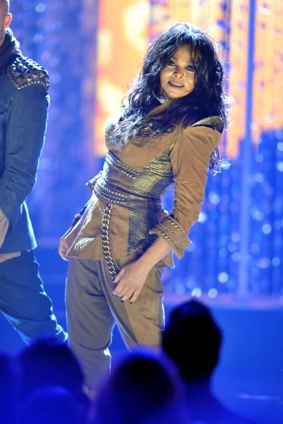 Janet Jackson at the AMAs 2009
